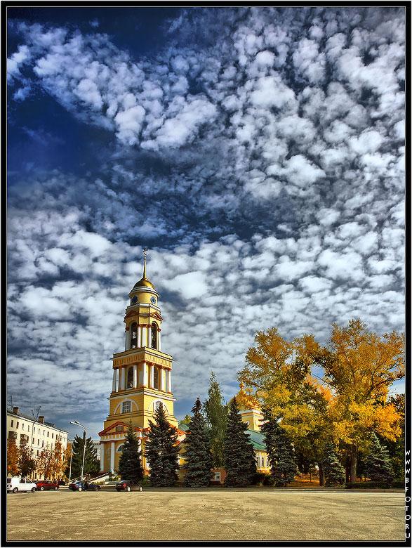 Христорожде́ственский кафедра́льный собо́р - православный храм, расположенный на центральной площади города Липецка.