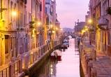 Вечерний город Венеция каналы, Италия