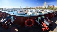 Вид с корабля в порт в Испании