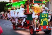 parade dresses 2013 185x125 Парад карет и маскарадных костюмов в Испании