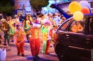 parade dresses 2015 185x123 Парад карет и маскарадных костюмов в Испании