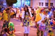 parade dresses 2016 185x123 Парад карет и маскарадных костюмов в Испании