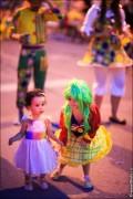 parade dresses 2018 120x180 Парад карет и маскарадных костюмов в Испании