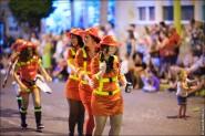 parade dresses 2041 185x123 Парад карет и маскарадных костюмов в Испании