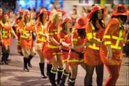 parade dresses 2043 185x123 Парад карет и маскарадных костюмов в Испании