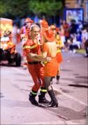 parade dresses 2053 127x180 Парад карет и маскарадных костюмов в Испании