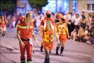 parade dresses 2055 185x123 Парад карет и маскарадных костюмов в Испании