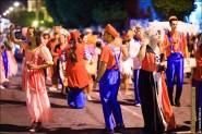 parade dresses 2073 185x123 Парад карет и маскарадных костюмов в Испании