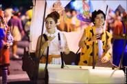 parade dresses 2075 185x123 Парад карет и маскарадных костюмов в Испании