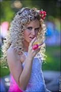 nevesty 2224 120x180 Сбежавшие невесты в Липецке 2012 фото и видео